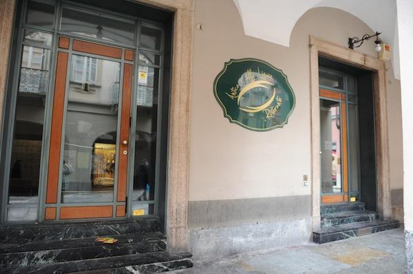 L'Asti da bere perde uno dei suoi simboli: il bar Ligure chiude i battenti?
