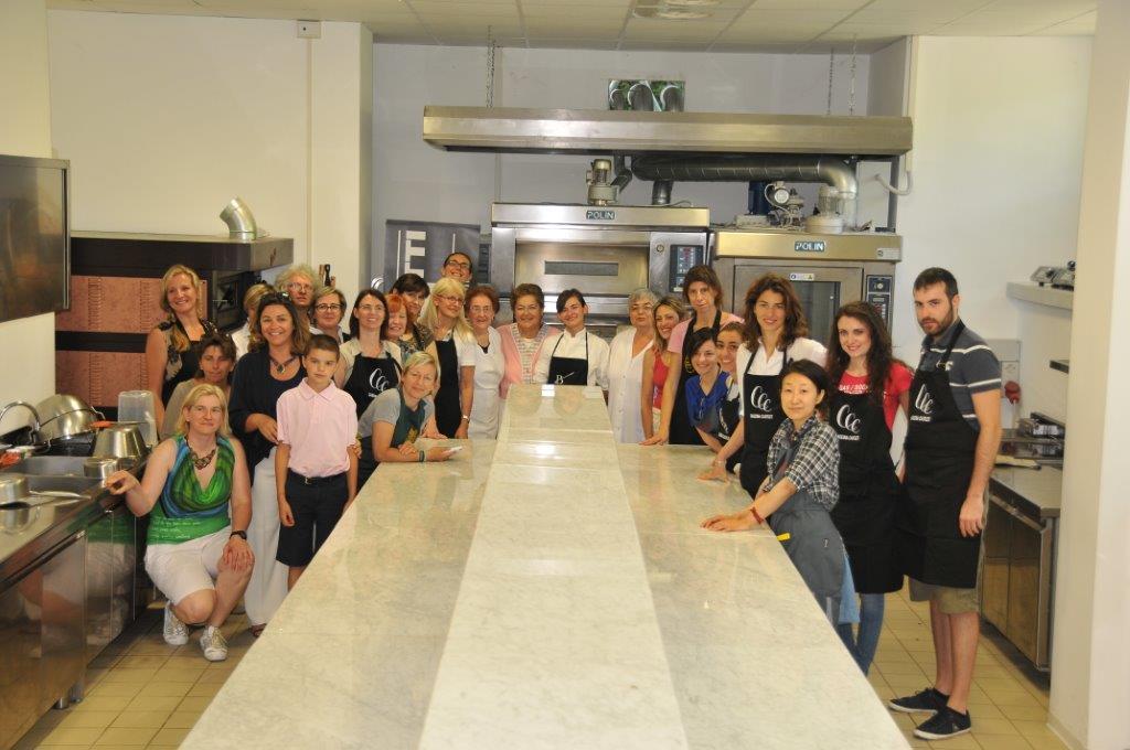 Blogger nelle cucine dell'Icif con le Donne del Vino del Piemonte