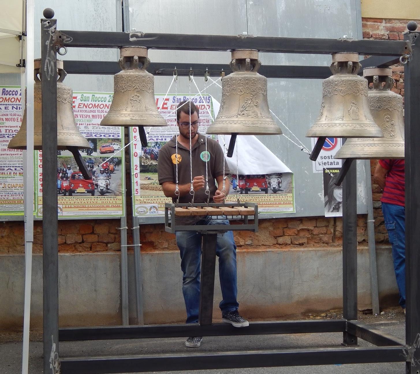 A Mombaruzzo riapre la scuola per campanari