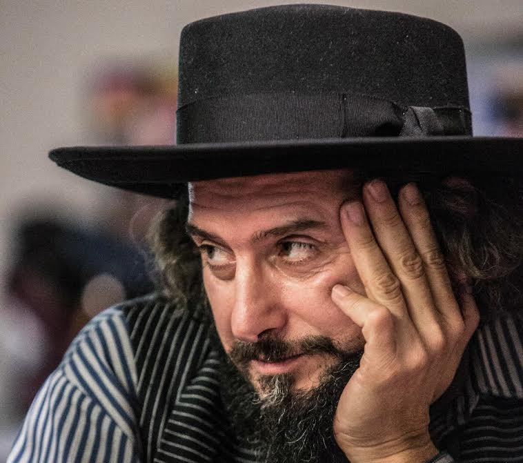 """La """"Polvere"""" di Vinicio Capossela sul palco di Asti Musica"""