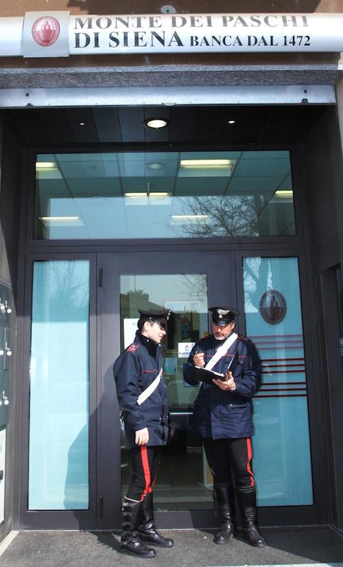 Ruba il bancomat al papà della fidanzata: medico denunciato dai carabinieri