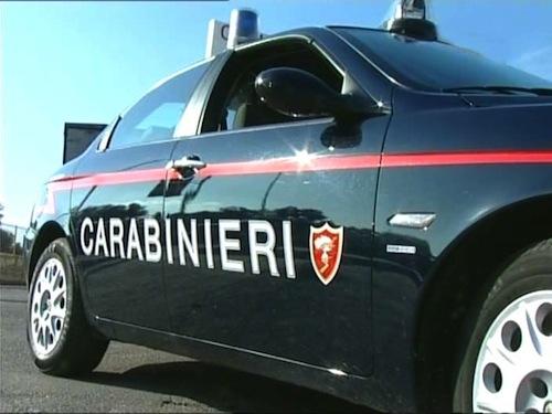 Pistole e baionette illegalmente detenute: arrestato dai carabinieri di Alba e rinchiuso nel carcere di Quarto