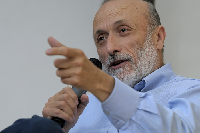 Carlo Petrini riceve il primo Master Honoris Causa in Comparative Law, Economics and Finance