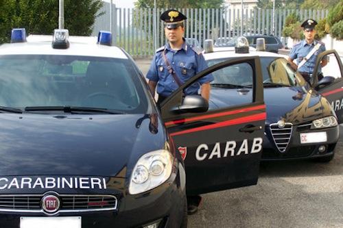 Scoperto con 300 taniche di gasolio rubato: denunciato dai carabinieri di Santo Stefano Belbo