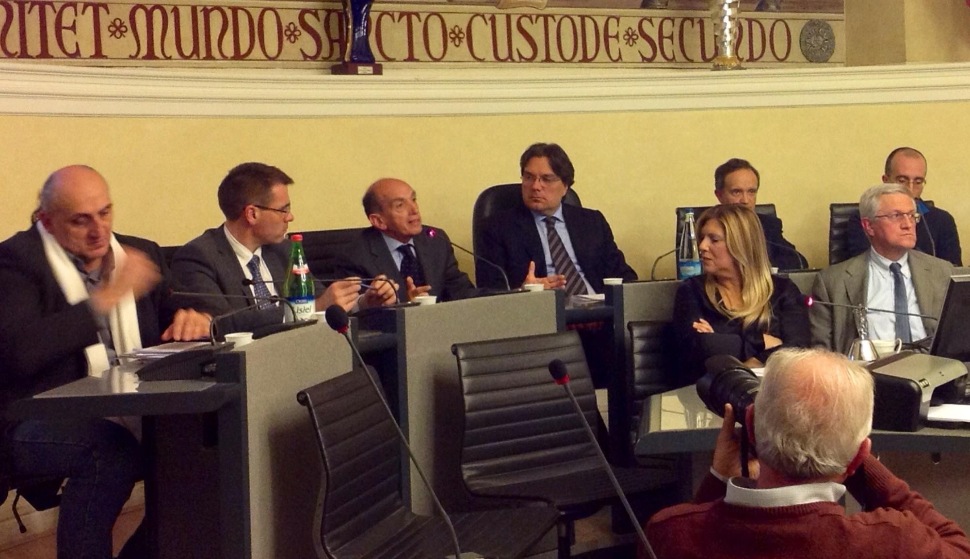 Interesse per il consiglio comunale aperto sull'immigrazione ad Asti