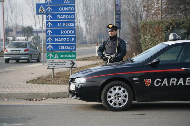 Fugge contromano in autostrada: topo d'auto arrestato dai carabinieri