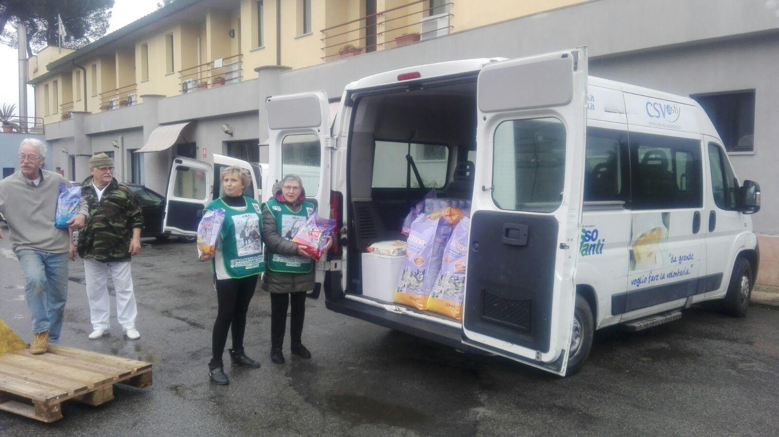In consegna la colletta alimentare astigiana per gli animali delle zone terremotate