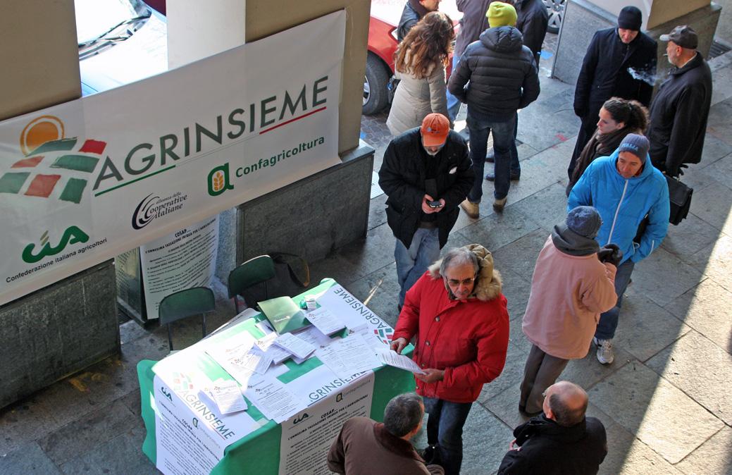 Gli agricoltori astigiani manifestano contro la Cosap