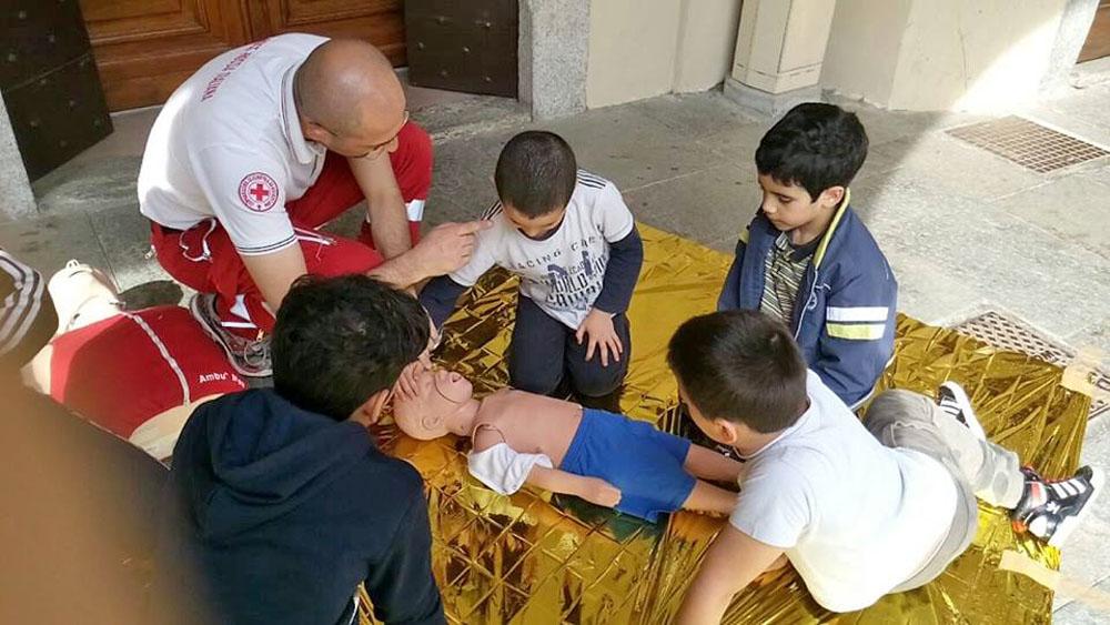 CrInverno: l'iniziativa della Croce Rossa di San Damiano che coinvolge bambini e volontari