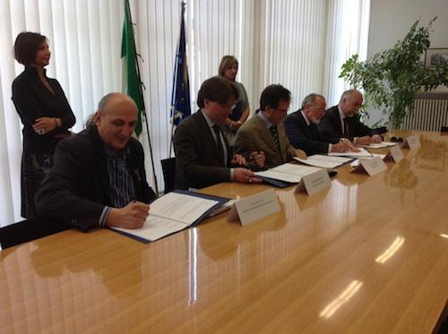 Firmato il Protocollo Dedalo per velocizzare e migliorare le pratiche per l'mmigrazione