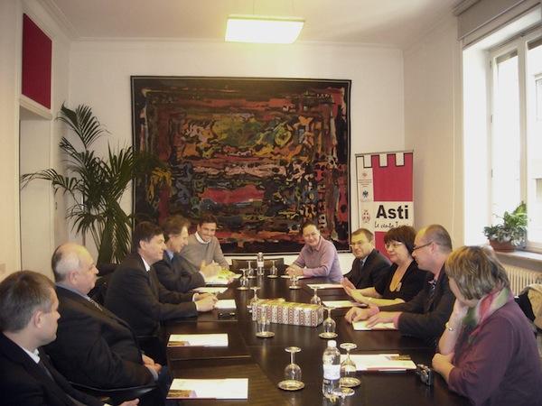Delegazione dalle città russe di Sudzdal e Vladimir in Camera di Commercio