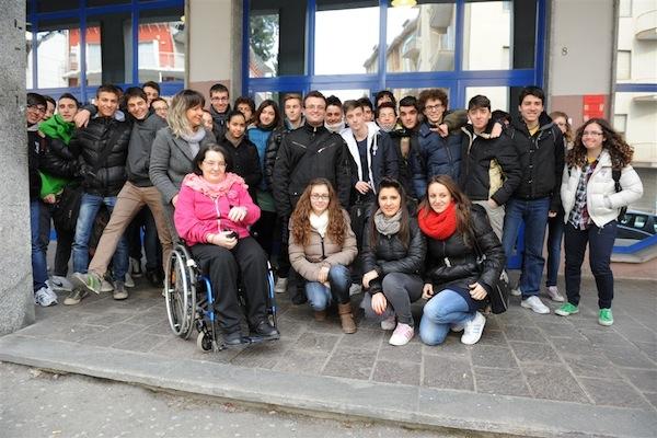 Una passeggiata nel centro di Asti per combattere la disabilità
