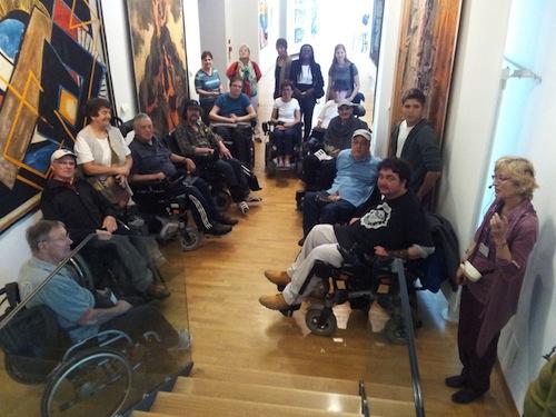 Disabilità, per muoversi ad Asti più controlli sui permessi per la sosta e marciapiedi liberi