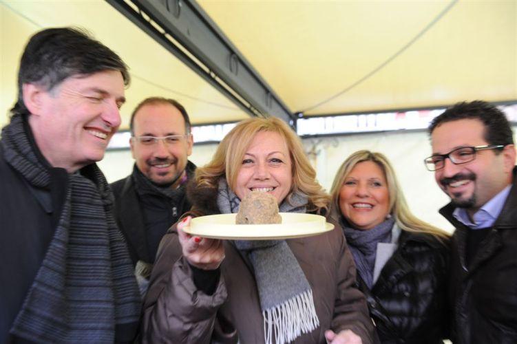 Le immagini della domenica del tartufo di Asti