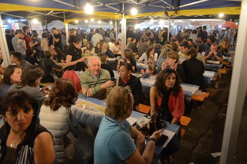Fotogallery del Mercato Europeo ad Asti