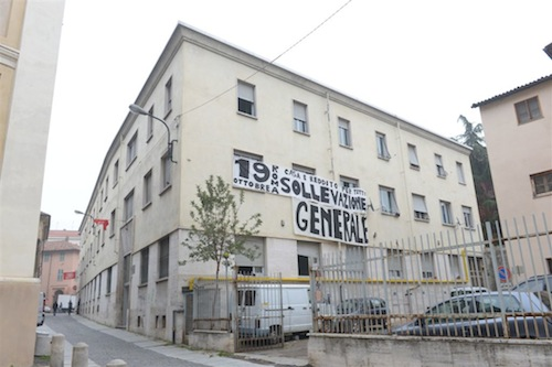 Il sindaco firma lo sgombero dell'ex mutua di via Orfanotrofio