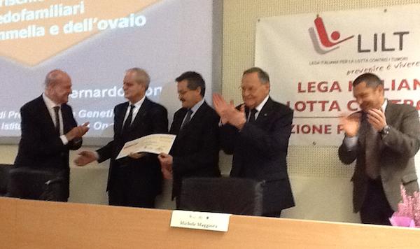 Asti, consegnato a Bernardo Bonanni un contributo per la lotta contro i tumori