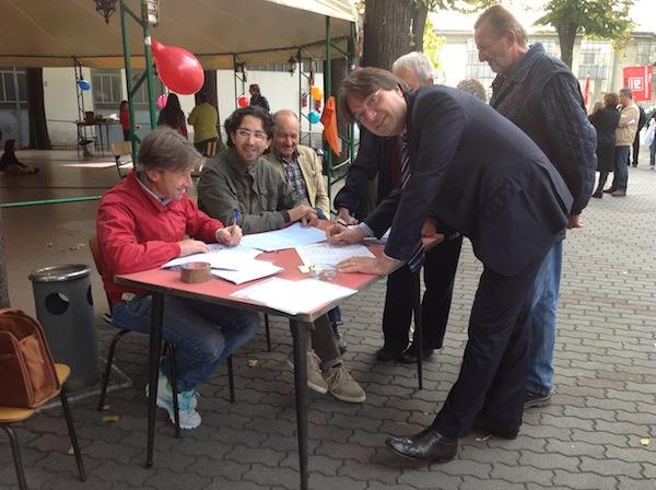 Referendum contro la modifica dell'articolo 18: ad Asti firma anche il sindaco