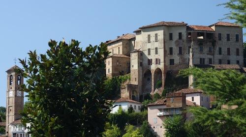 Il castello di Frinco proprietà del comune