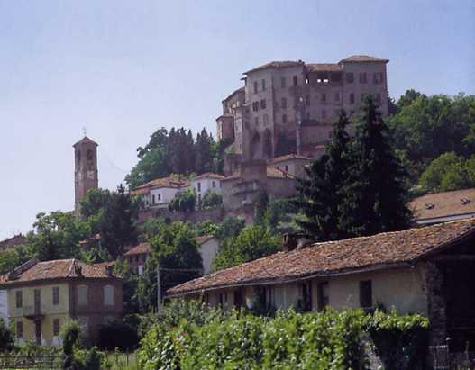 Chiusa la chiesa di Frinco d'Asti alla viglia di Natale