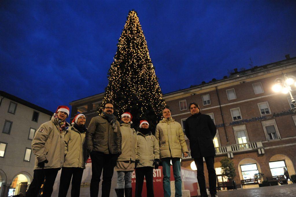 Accese le luminarie natalizie ad Asti