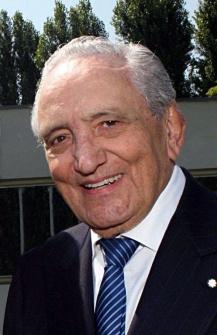 Alba dà l'ultimo saluto a Michele Ferrero, imprenditore geniale e visionario