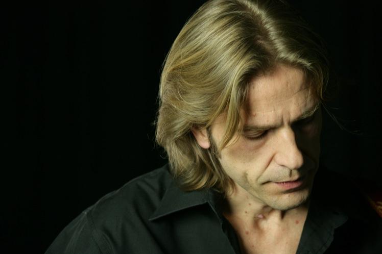 """Douja d'Or: questa sera Giulio Casale sul palco di """"Suoni di Vini"""""""