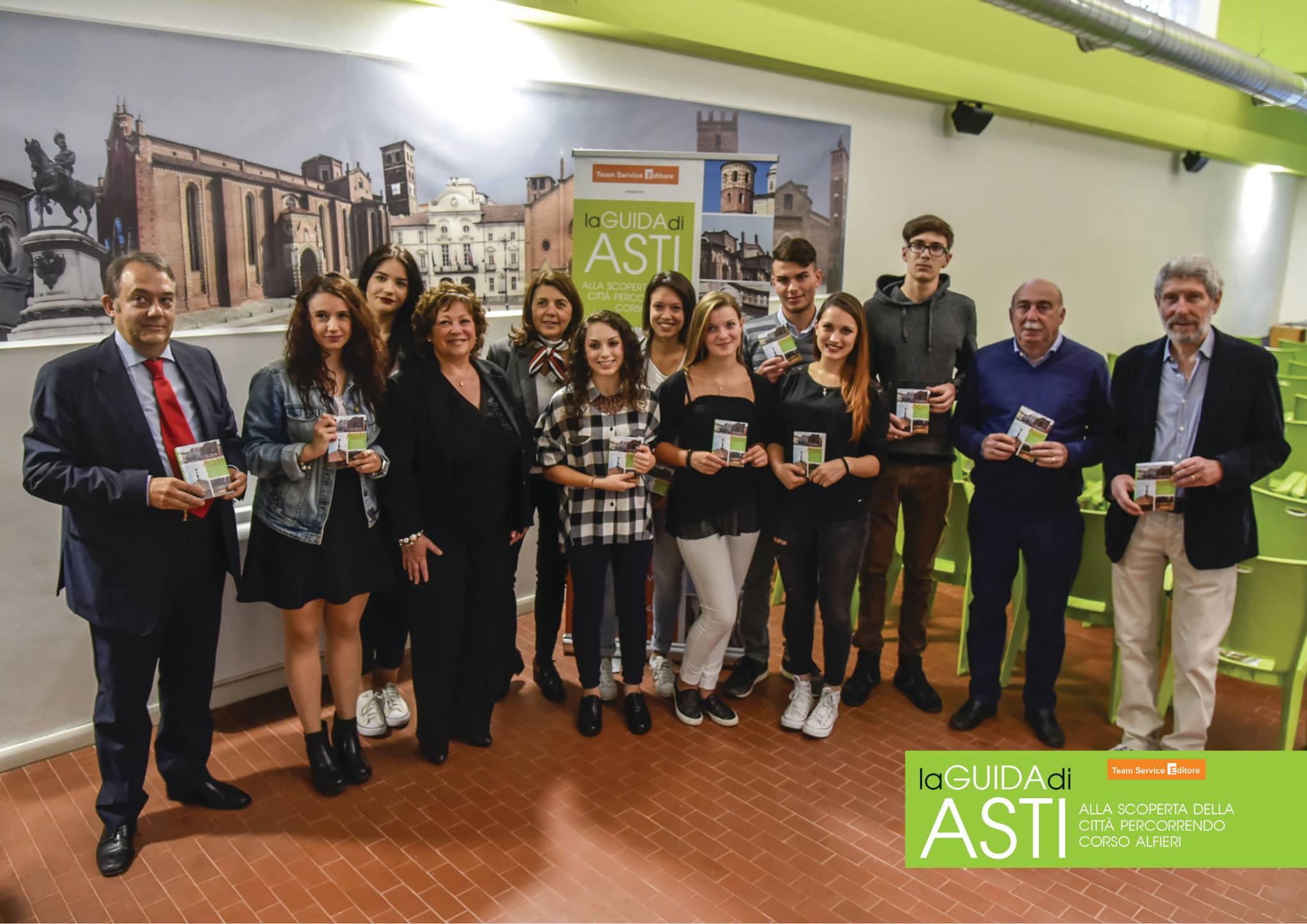 """""""Alla scoperta della città percorrendo corso Alfieri"""": i gioielli di Asti in realtà aumentata nella nuova guida di Team Service"""