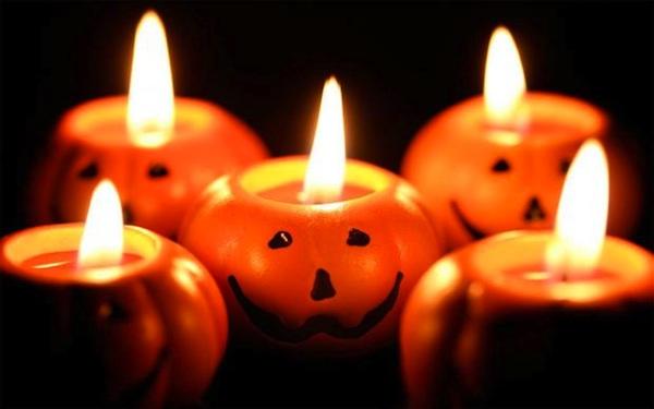A Canelli la notte di Halloween si cena al buio