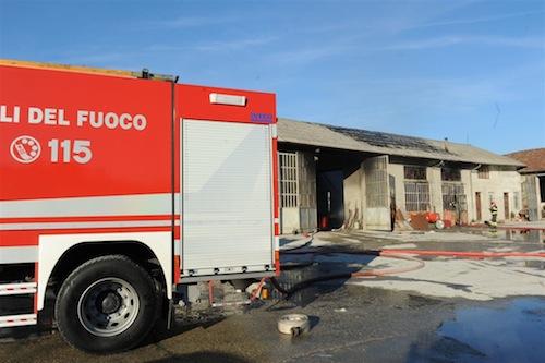 Incendio in via Gozzano. Due persone intossicate