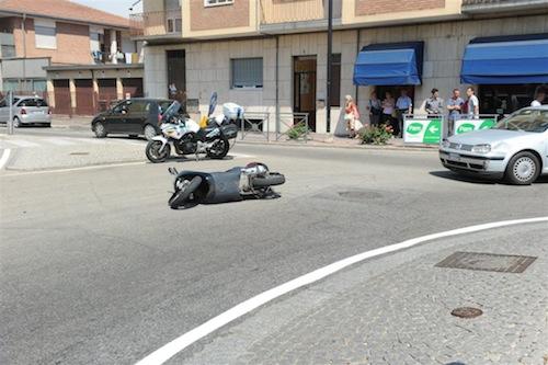 Incidente alla rotonda di corso Savona