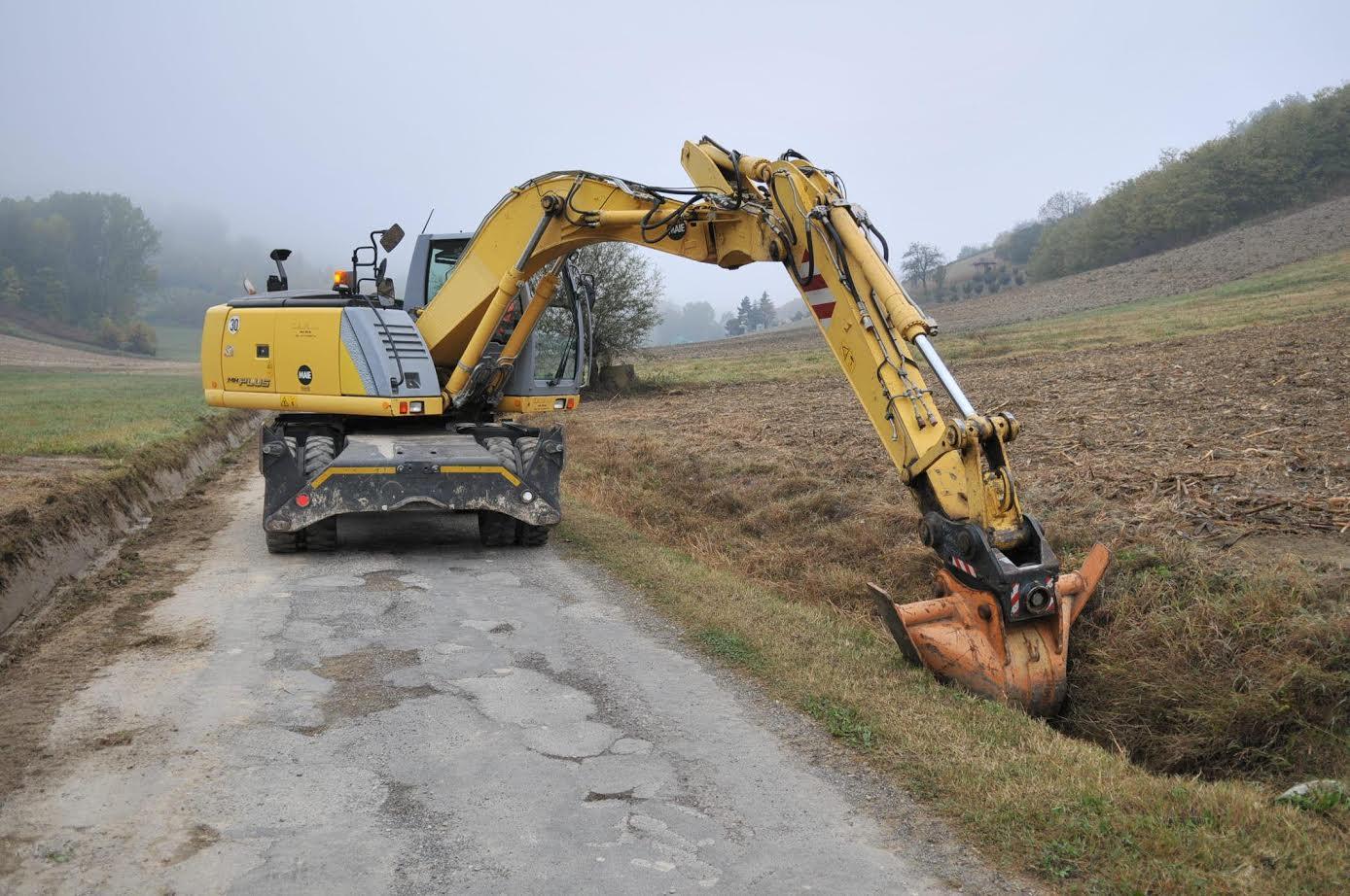 Iniziati i grandi lavori sulle strade frazionali di Asti: asfalti e fossati per 500.000 euro