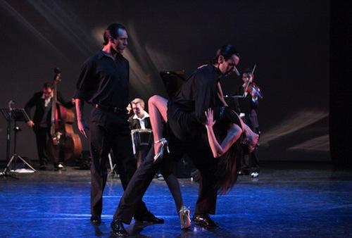 Asti Danza si inaugura a passi di tango