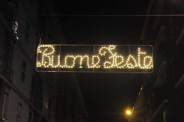 Il Comune raddoppia il contributo per le luminarie natalizie: oggi iniziato l'allestimento