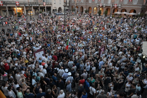 Manifestazione ad Asti per chiedere maggiore sicurezza: la fotogallery