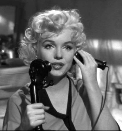 """A Torino la retrospettiva """"Miti d'oggi. L'immagine di Marilyn"""""""