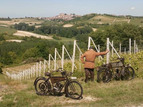 In moto fra colline e vigneti alla scoperta del Grignolino