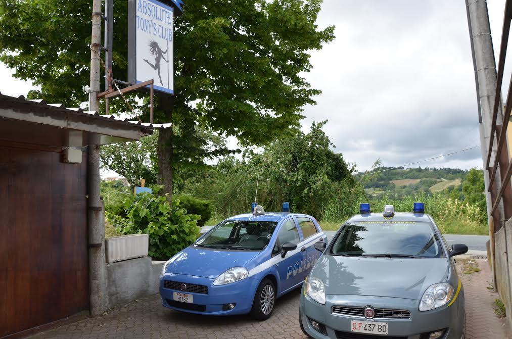 Polizia e finanza di Asti chiudono un night club di Cassinasco
