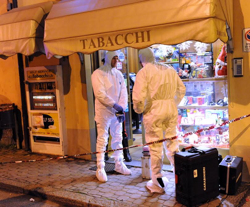 Tabaccaio ucciso per rapina: ancora caccia aperta ai killer