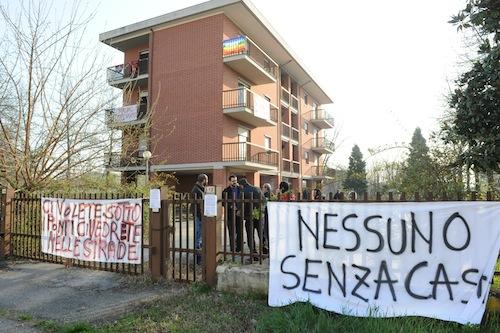 Diritto alla casa: il coordinamento Asti Est in piazza durante il festival dell'architettura