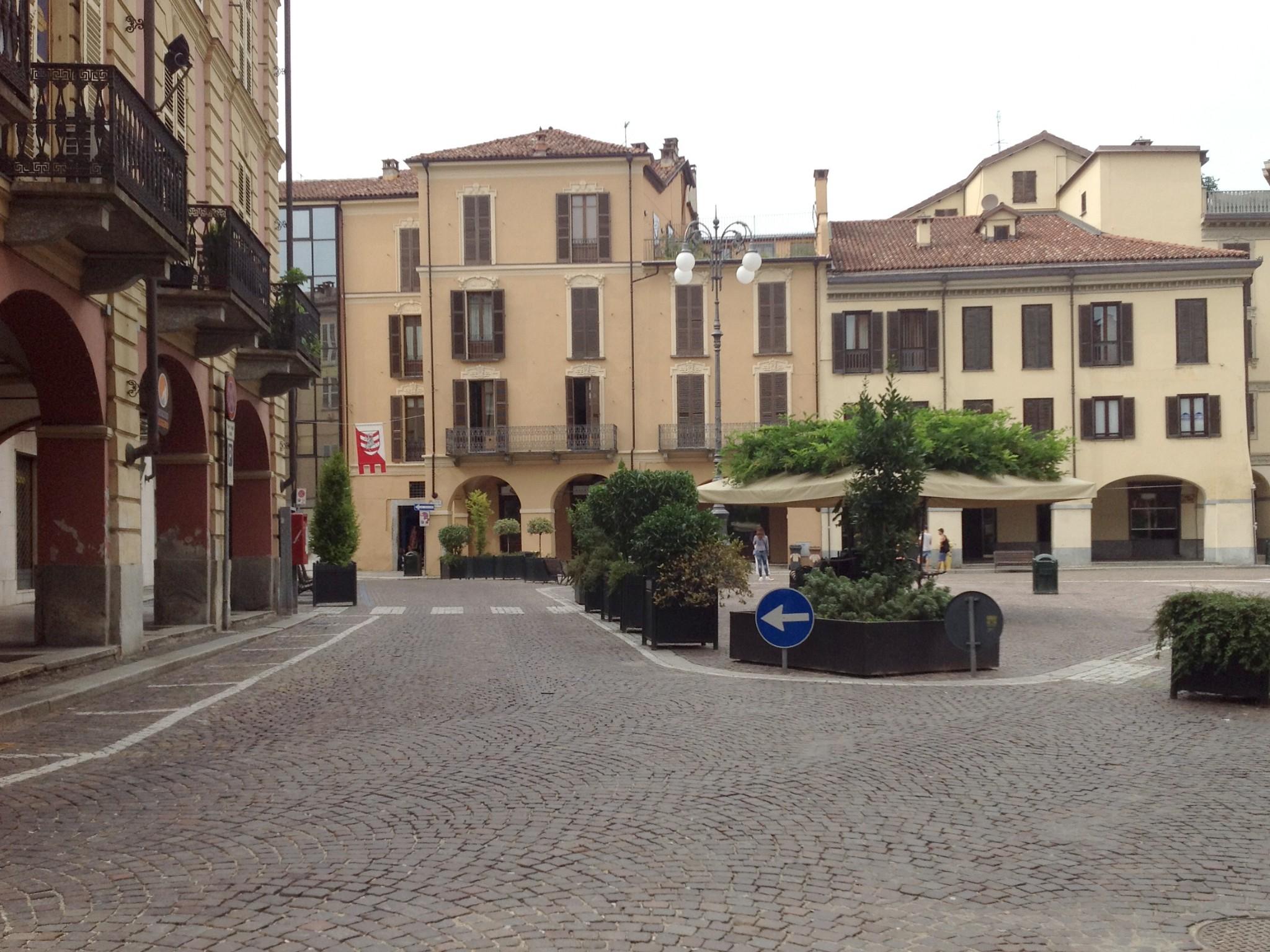 Asti, piazza Statuto completamente libera dalle auto: rimossi gli ultimi stalli