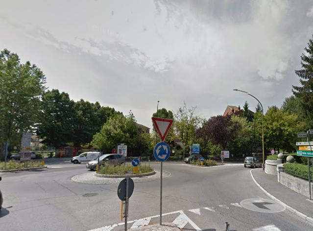 """Mirella Torta: """"Quelle auto che intasano piazza Lugano all'uscita delle scuole"""""""