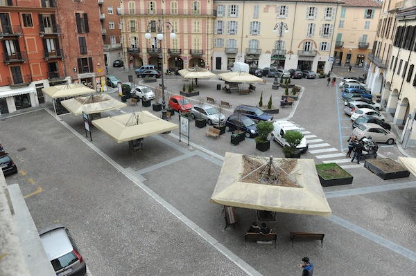 I dubbi dei commercianti sulla pedonalizzazione di piazza Statuto