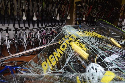Spaccata in un negozio di bici di Asti