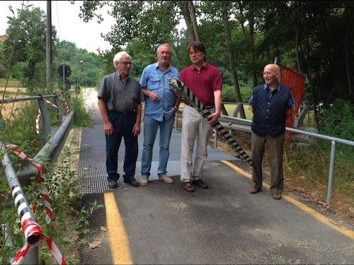 """""""Chi sa, parli"""": il giallo del ponte danneggiato a Montegrosso Cinaglio"""