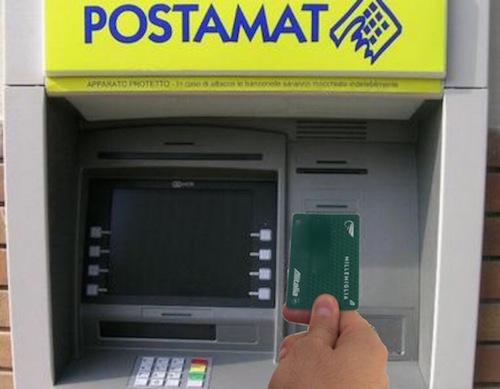 Postamat truccato non eroga denaro