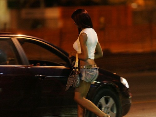 Giro di vite su prostituzione e sosta degli zingari