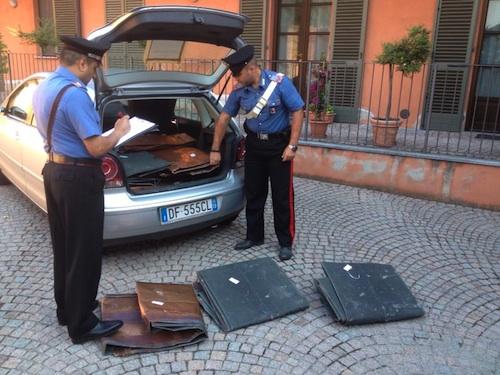 Rubano rame al cimitero di Montiglio e fuggono all'alt dei carabinieri: tre studenti torinesi arrestati