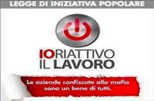 Anche ad Asti si raccolgono firme contro le mafie per il lavoro