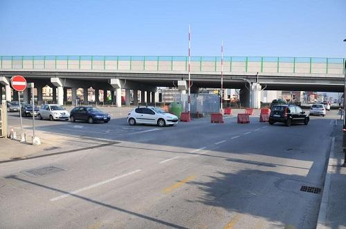 Lavori in corso per la nuova rotonda tra via Spandre e strada Valgera